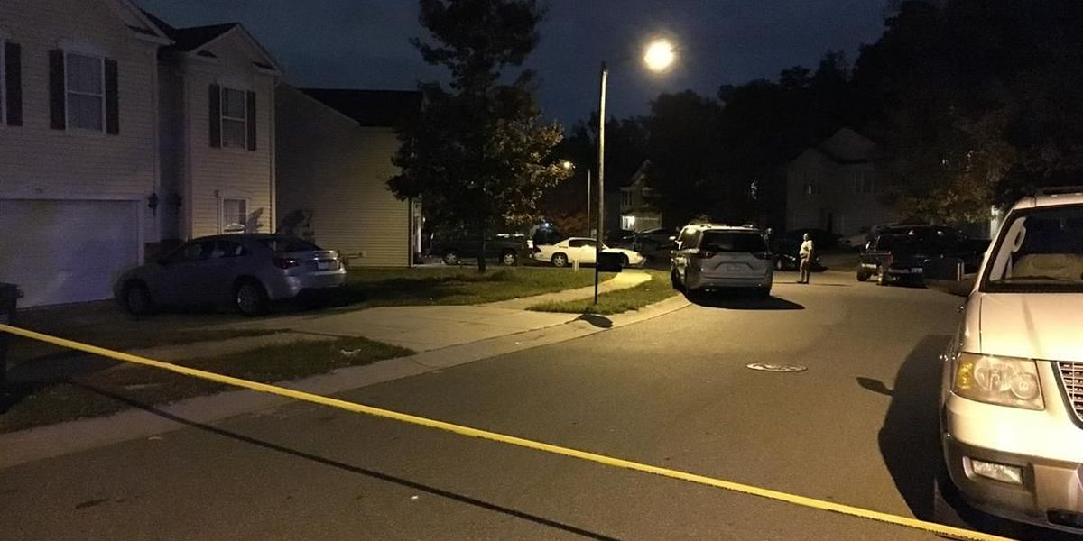 Police: Man shot in the back in north Charlotte