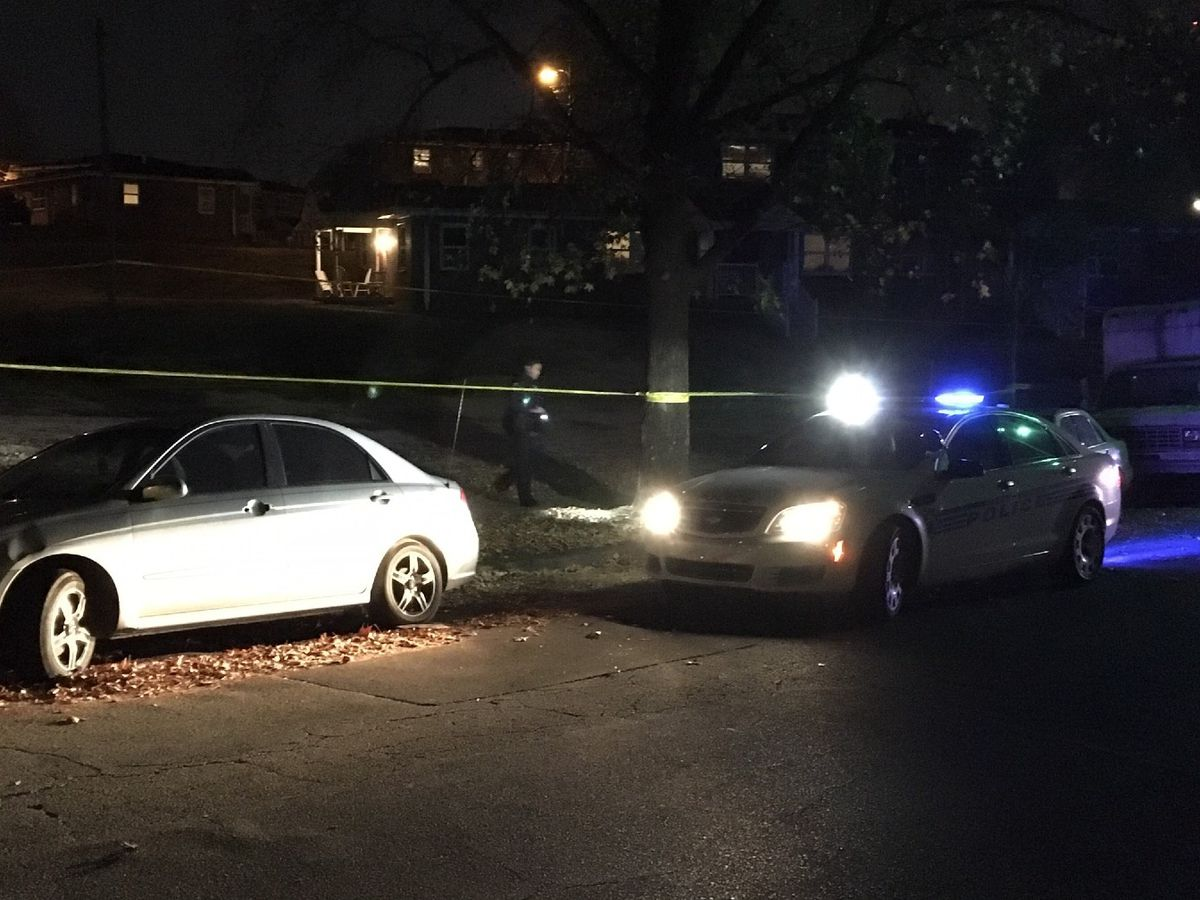 Man shot at south Charlotte apartment complex