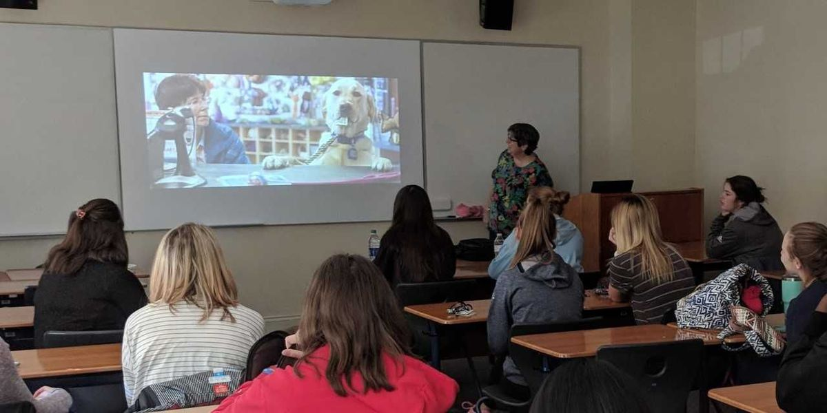 Catawba College Psi Chi members learn about Emotional Assistance Animals on campus