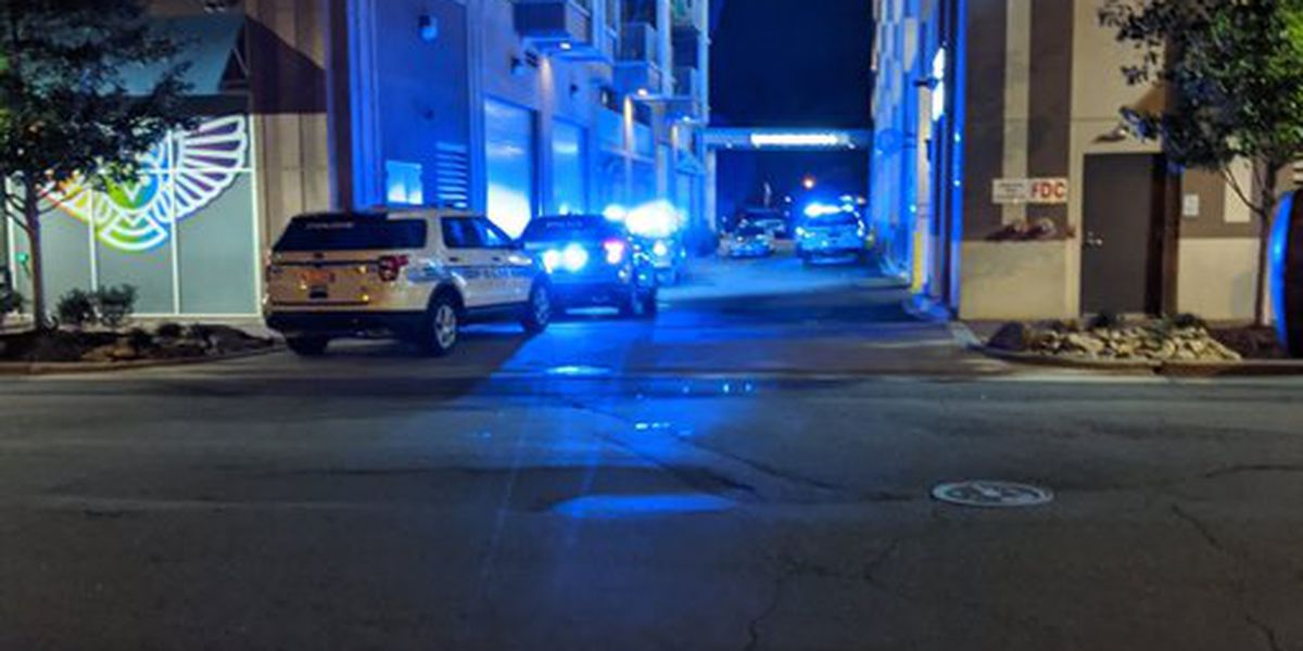 Shooting victim pronounced dead in hallway of uptown Charlotte apartments