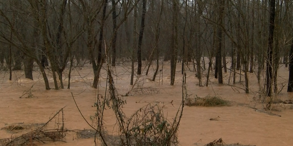 Flooding in foothills continues