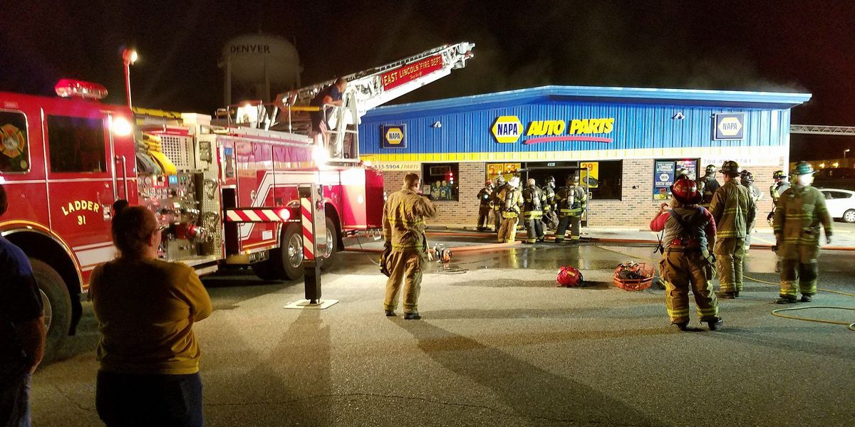 Fire breaks out at auto store in Denver