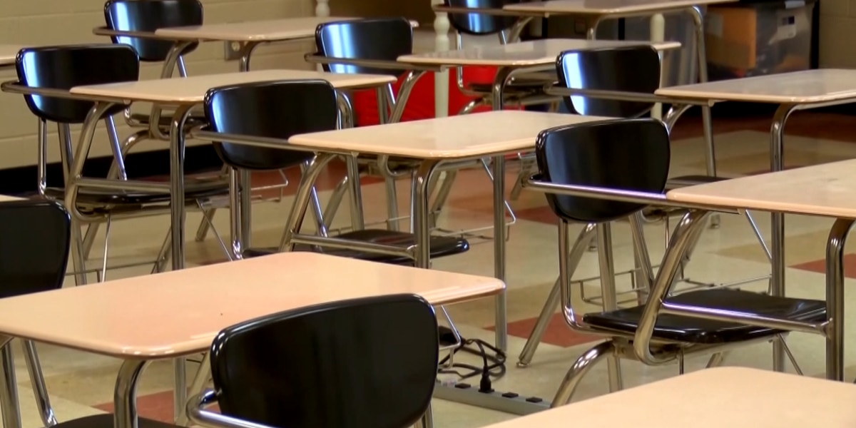 S.C. superintendent approves Clover school reopening plan