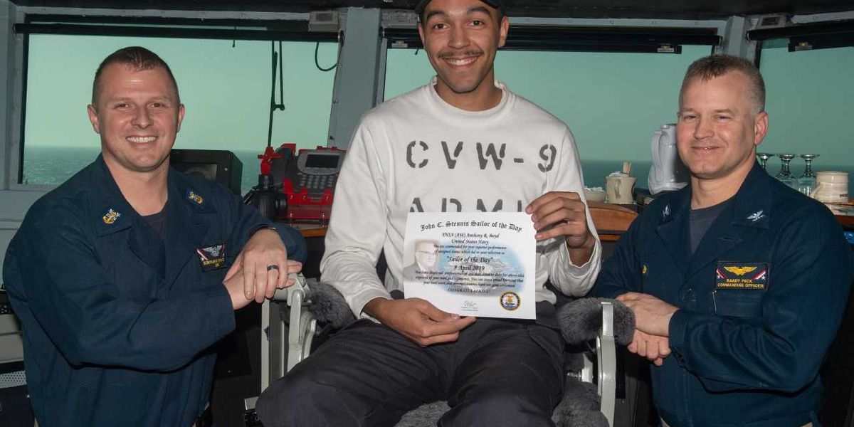 """Concord sailor named """"Sailor of the Day"""" on carrier"""