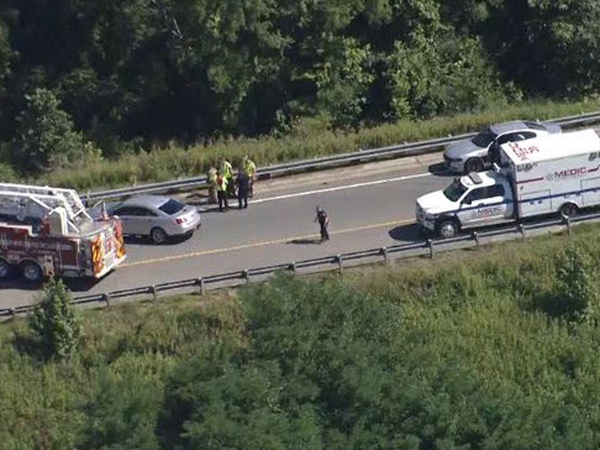 Ramp closed after person struck, killed by vehicle on I-77 in Huntersville