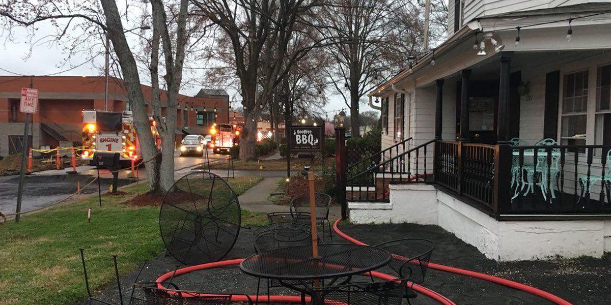 Pineville restaurant fire under investigation