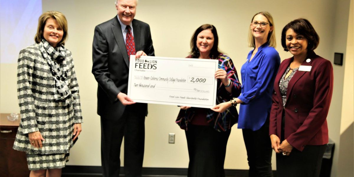 Food Lion Feeds makes donation to Rowan-Cabarrus Community College
