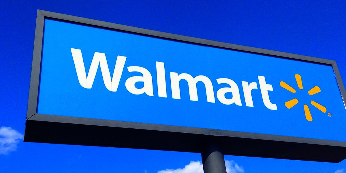Child films cops escorting angry man from Walmart in NC for refusing to wear a mask