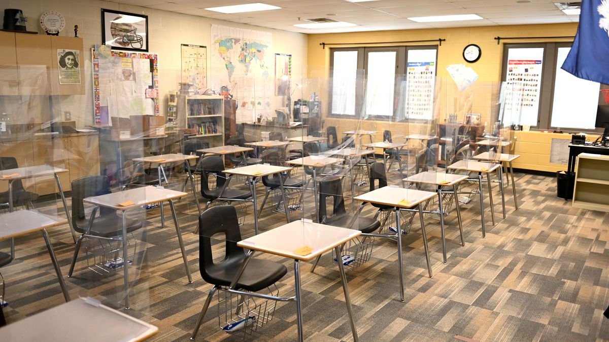 Fort Mill Schools returns to five days in-person, parents have mixed reaction