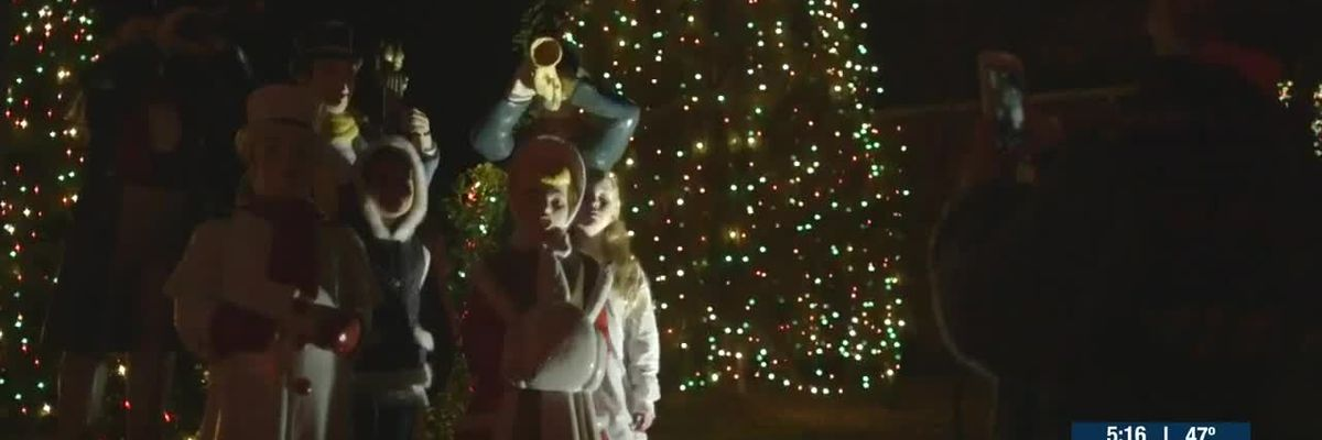 Tree lighting to set 'Christmas Town USA' aglow for holiday season