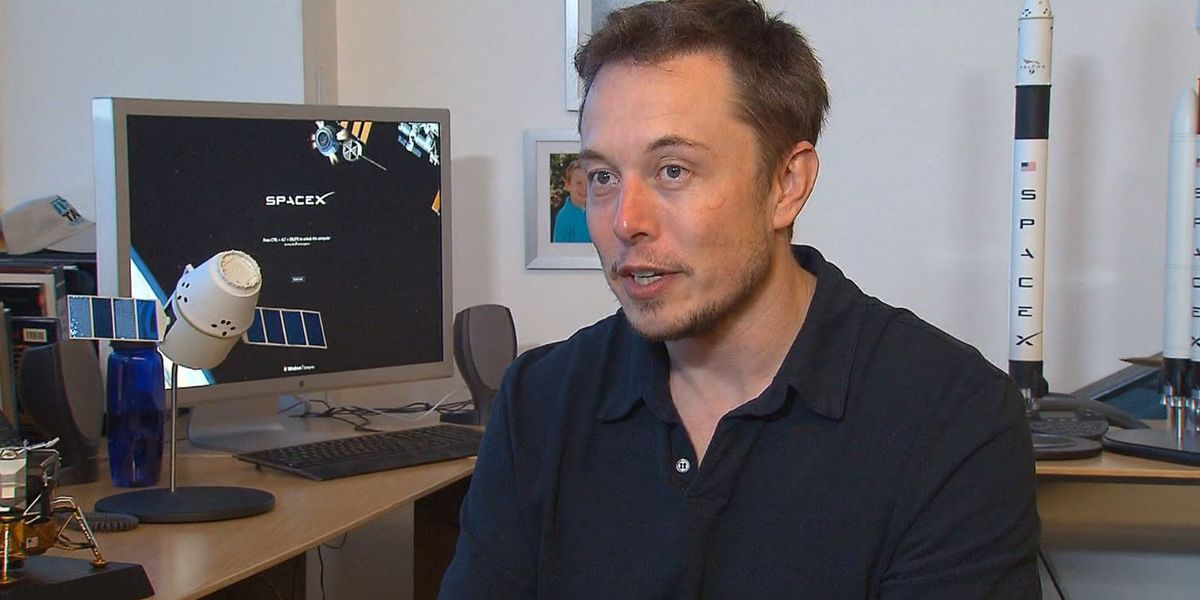 Elon Musk predicts he'll put people on Mars by 2026