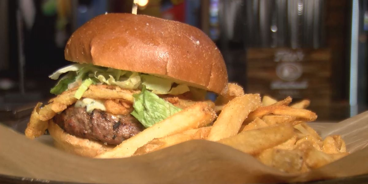 Uptown restaurant offers free burger to customers who have been fully vaccinated