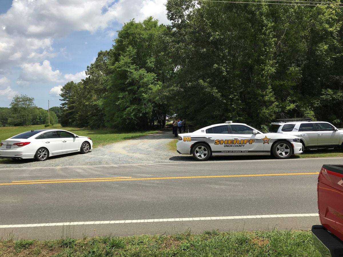 Knife-wielding man shot by deputy following disturbance outside Union Co. church
