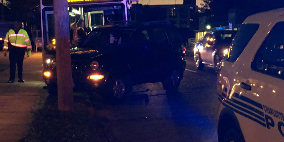 Crash involving CATS bus blocks lane near Plaza Midwood neighborhood