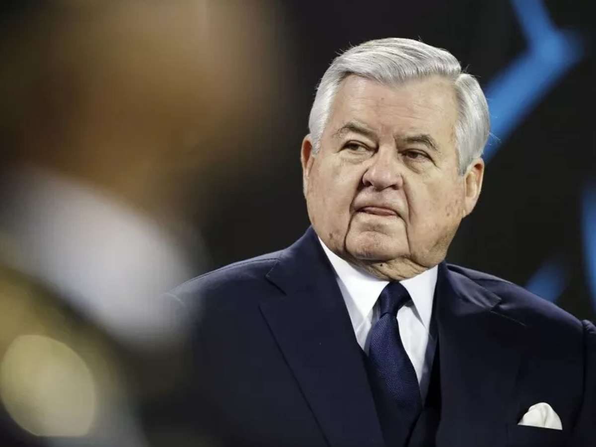 Founding Panthers owner Jerry Richardson gifts $150M to Wofford College, largest in school's history