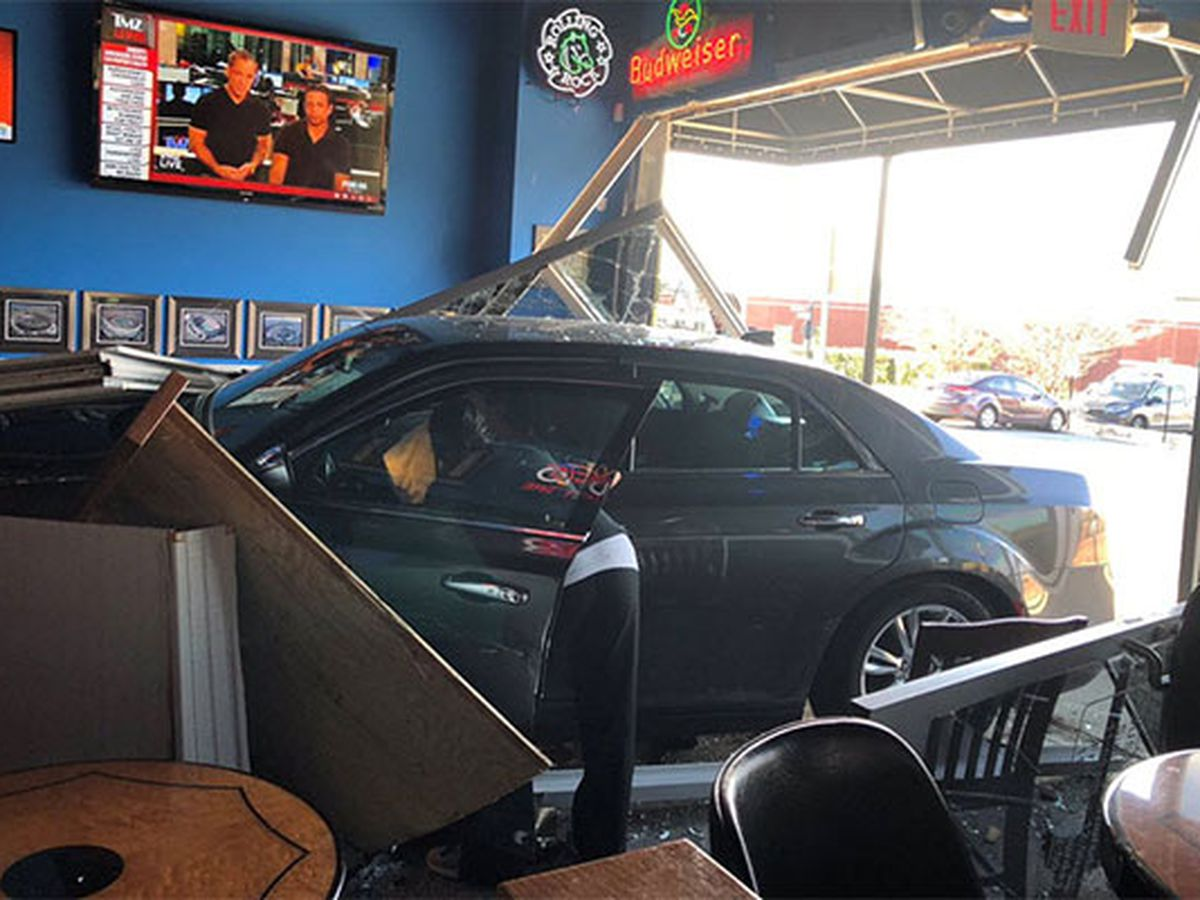 Car crashes into sports bar in Concord