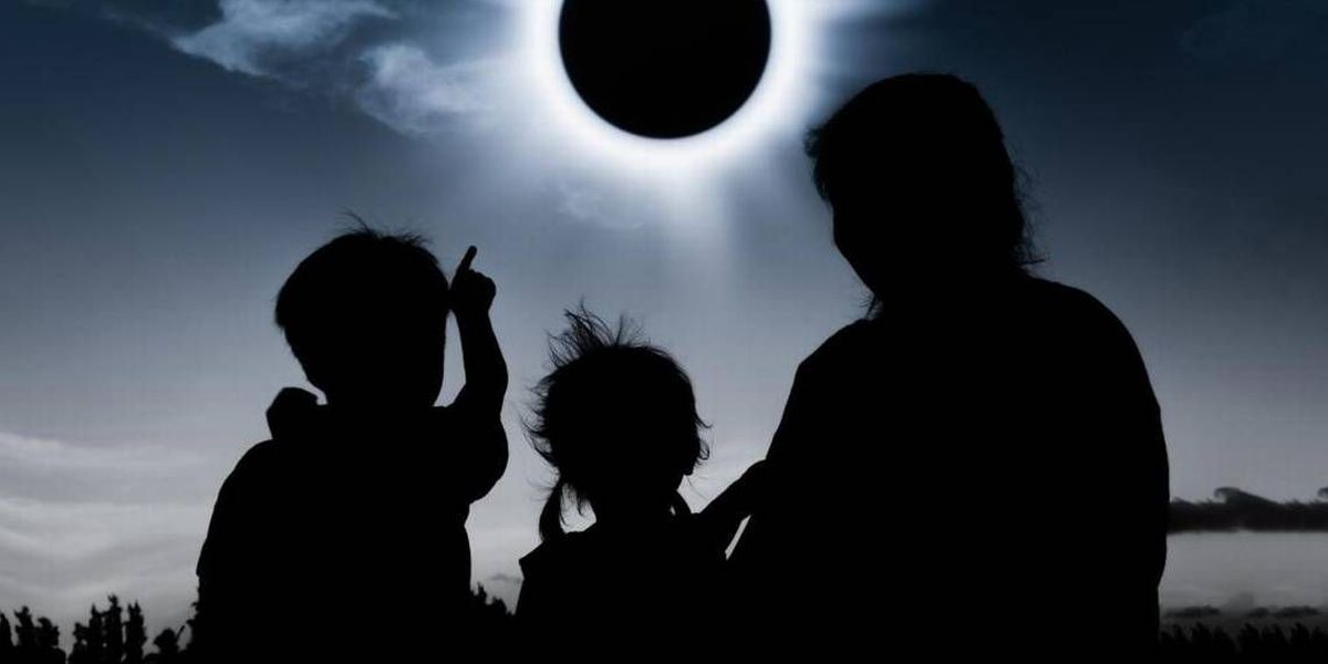 How will you know if the total eclipse damaged your eyes? Here are symptoms.