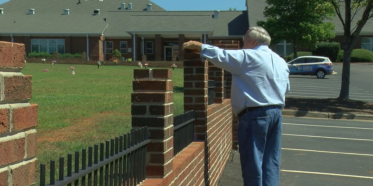 Historic Fort Mill church's cemetery vandalized