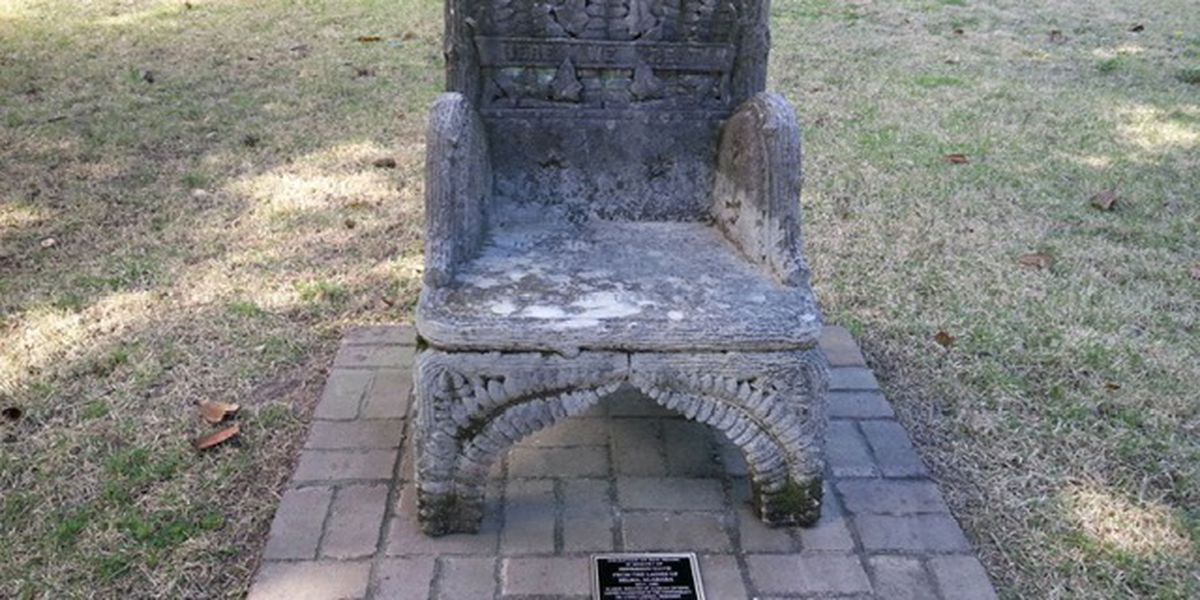 Chair honoring Jefferson Davis apparently stolen from Alabama cemetery, held for ransom