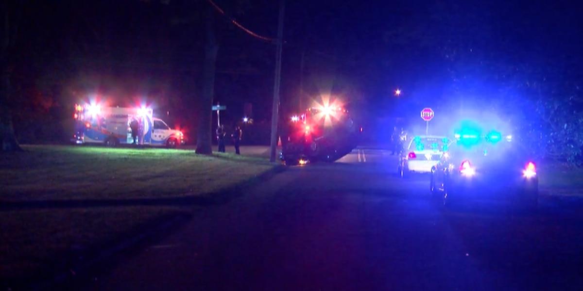 Minivan crashes, overturns in Salisbury