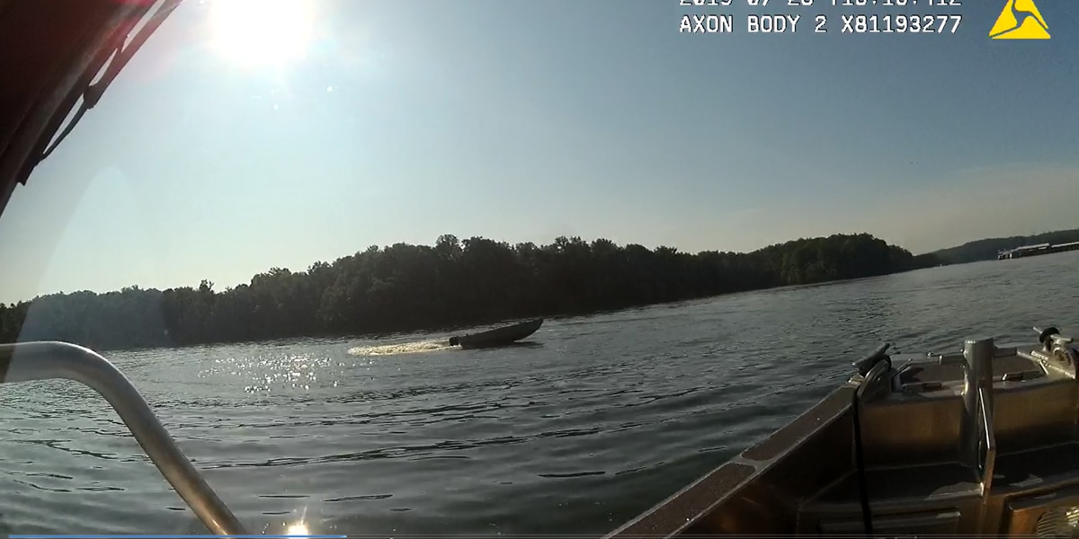 Officer stops 'out of control' boat on Lake Wylie