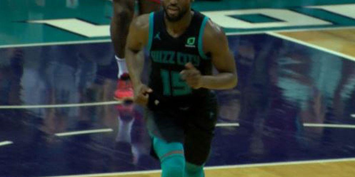 Walker's 37 points lift Hornets past Bulls 125-118