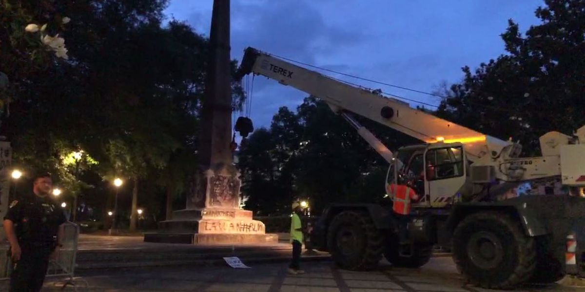 UPDATE: Crews fully remove Confederate monument in Birmingham's Linn Park
