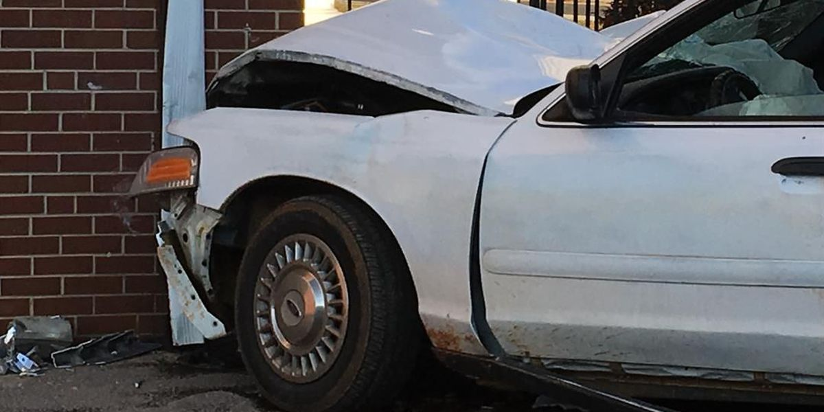 Car crashes into building, no injuries reported in west Charlotte