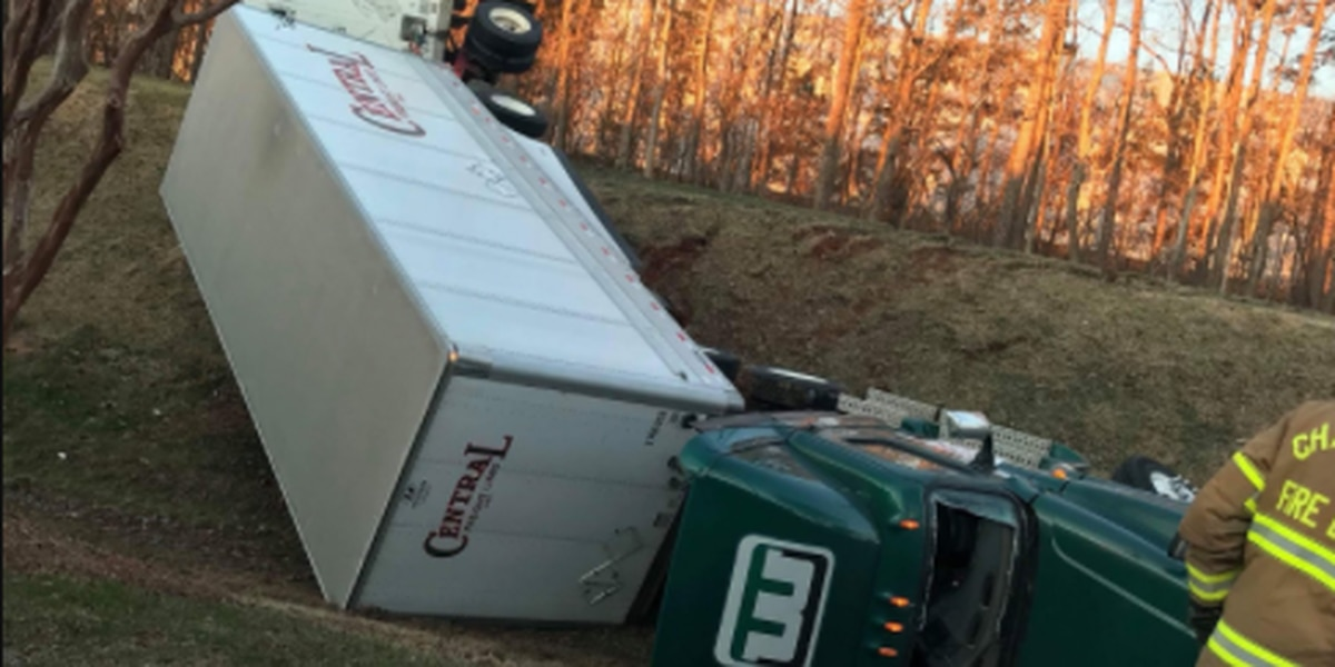 Tractor-trailer crashes down embankment in north Charlotte