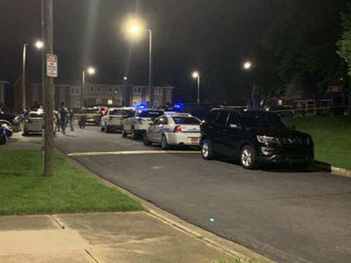 Man found shot, killed in parking lot in southeast Charlotte