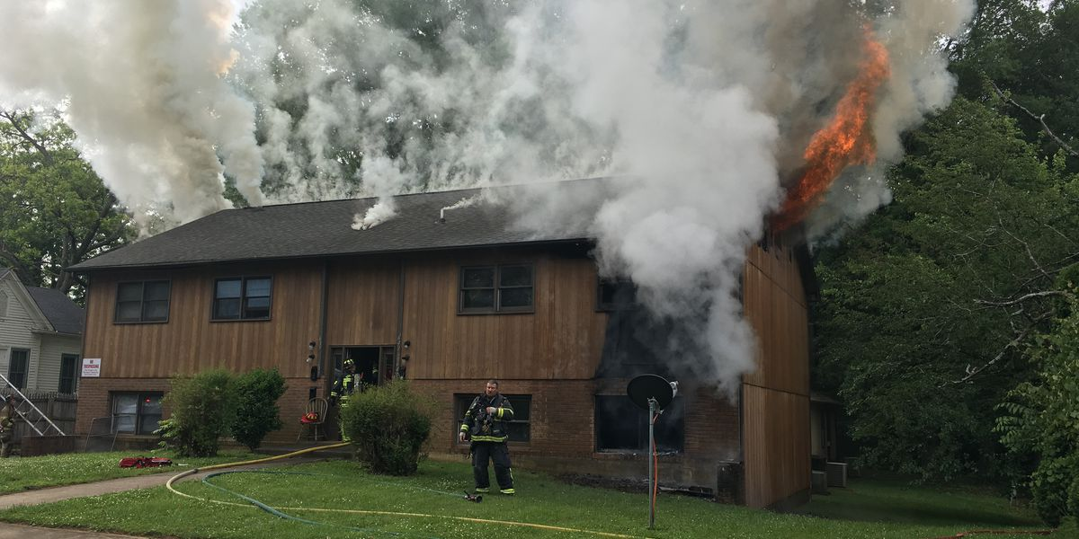 2 firefighters injured, 8 displaced, including children, after fire at apartment complex in Statesville