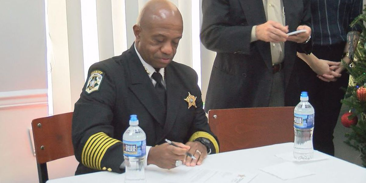Mecklenburg County Sheriff to meet with ICE officials
