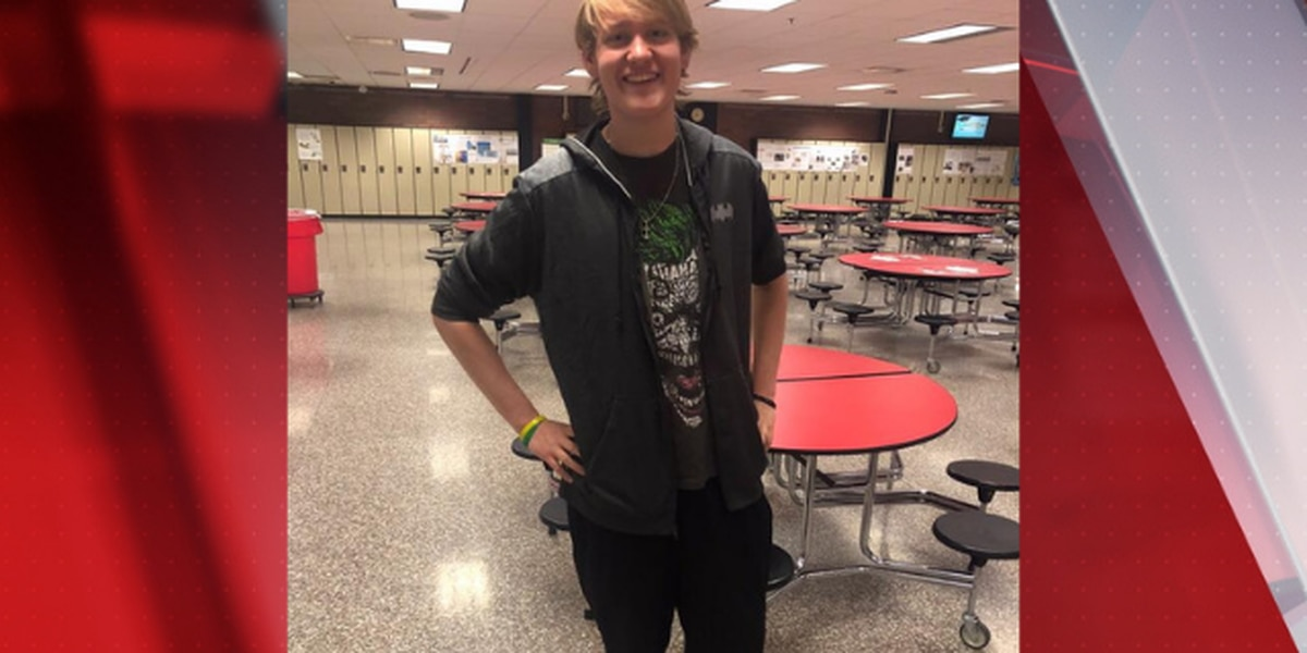 Canton, Ohio high school student loses over 100 pounds by walking to school each day