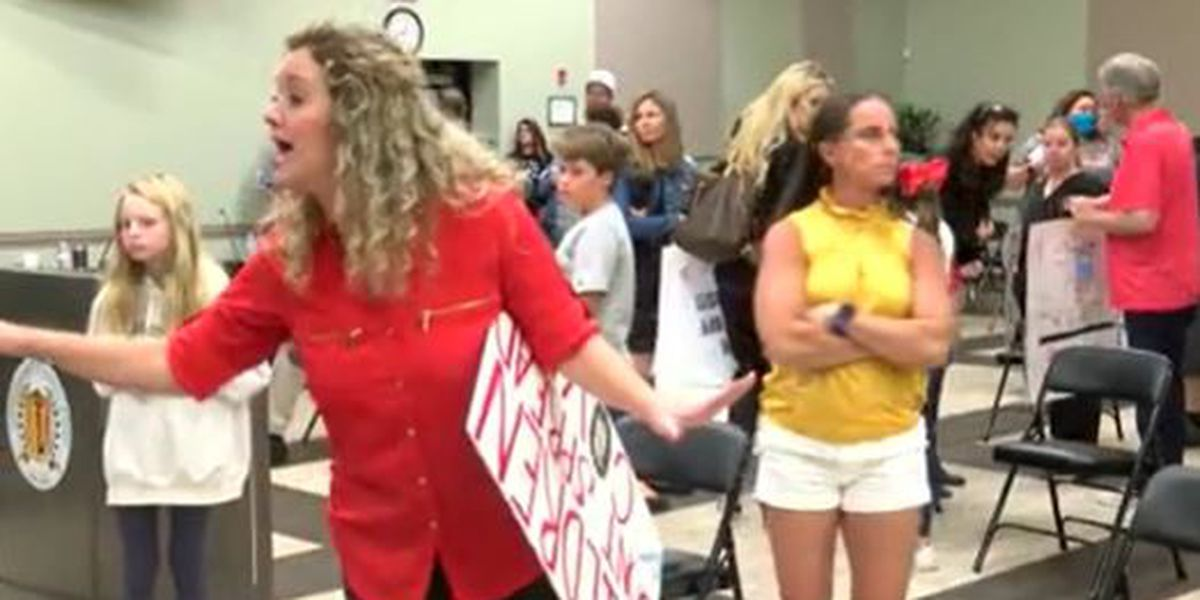 'No more masks': Parents fight mask mandate at heated Iredell-Statesville school board meeting