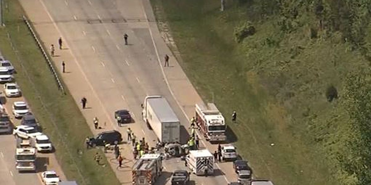 One injured in crash involving tractor trailer on I-485 in Charlotte