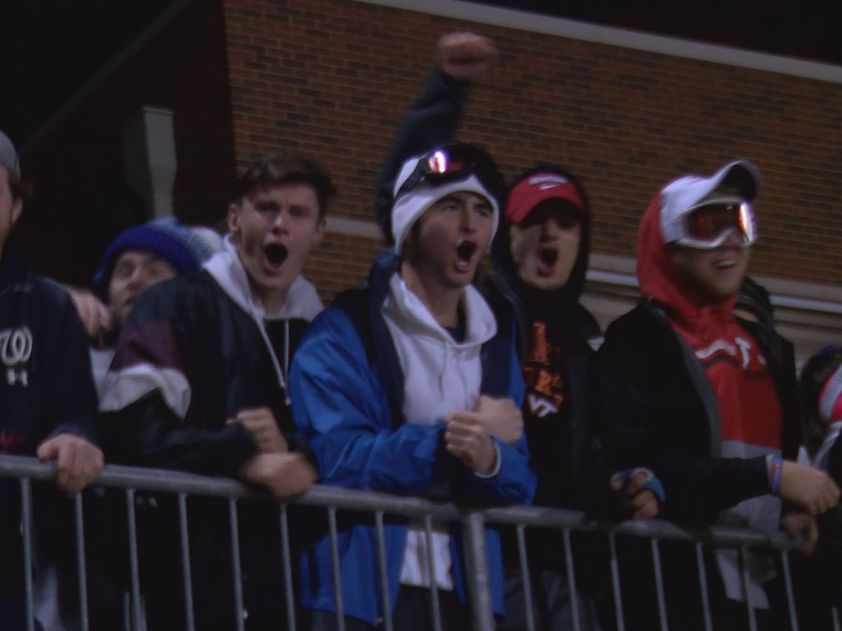 Fans brave chilly temps for state championship game between Providence Day School and Metrolina Christian Academy
