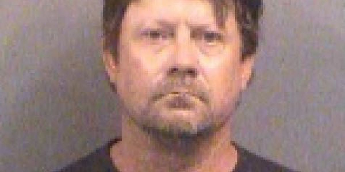Defense wants Trump voters in jury pool for Kansas bomb case
