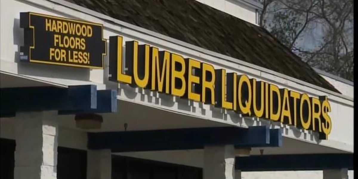 Lumber Liquidators suspends sales of Chinese-sourced laminate flooring