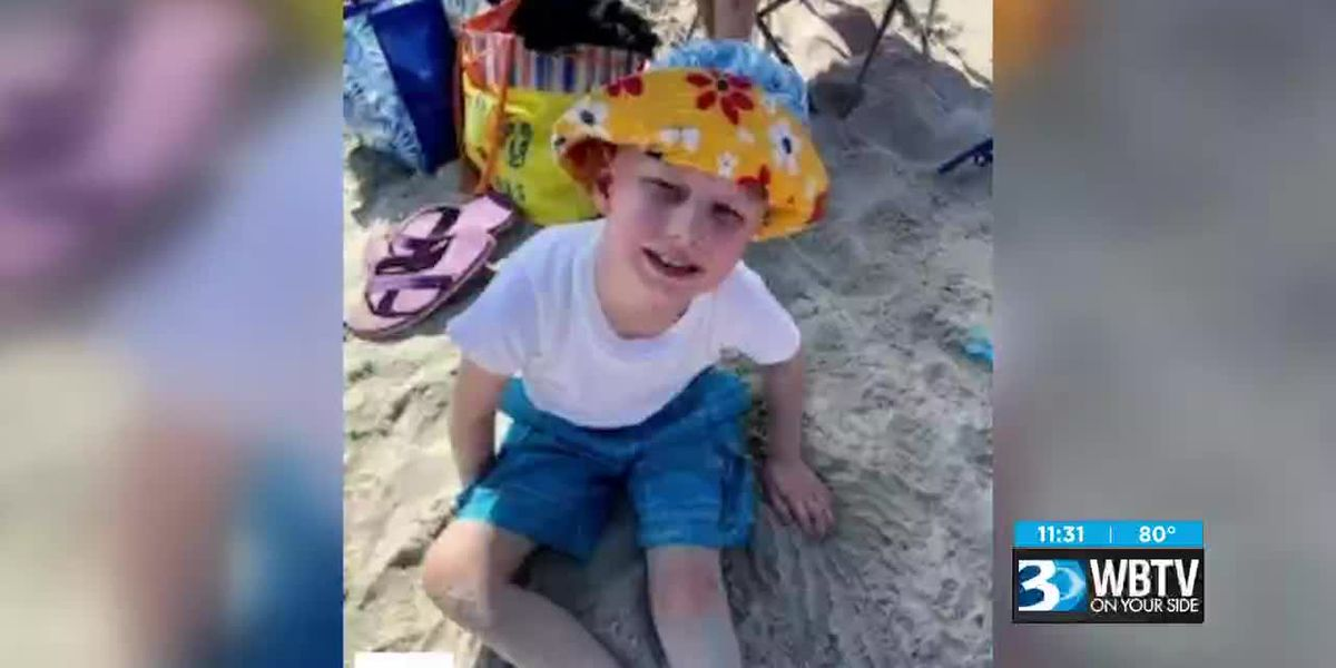 Molly's Kids: Christopher Teems goes to the beach because of you guys
