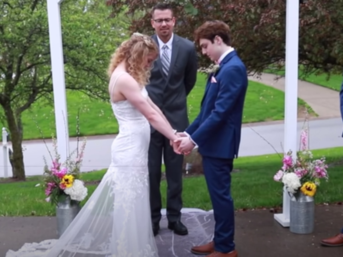 18-year-old given months to live marries his high school sweetheart