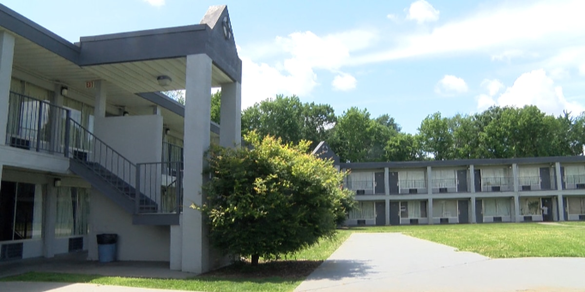West Charlotte motel at risk of closure after some tenants refuse to pay rent