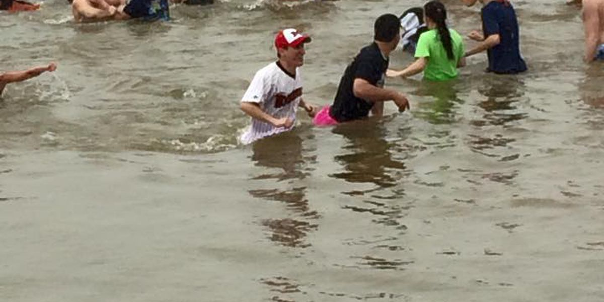 """""""Polar Plunge"""" makes a splash on Saturday for Special Olympics"""