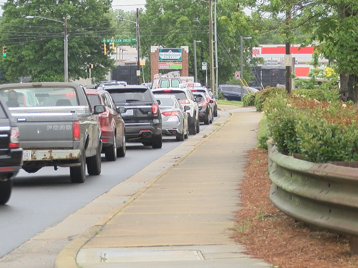 'It's just been ridiculous.' Drivers caught in middle of traffic as others head to fuel up