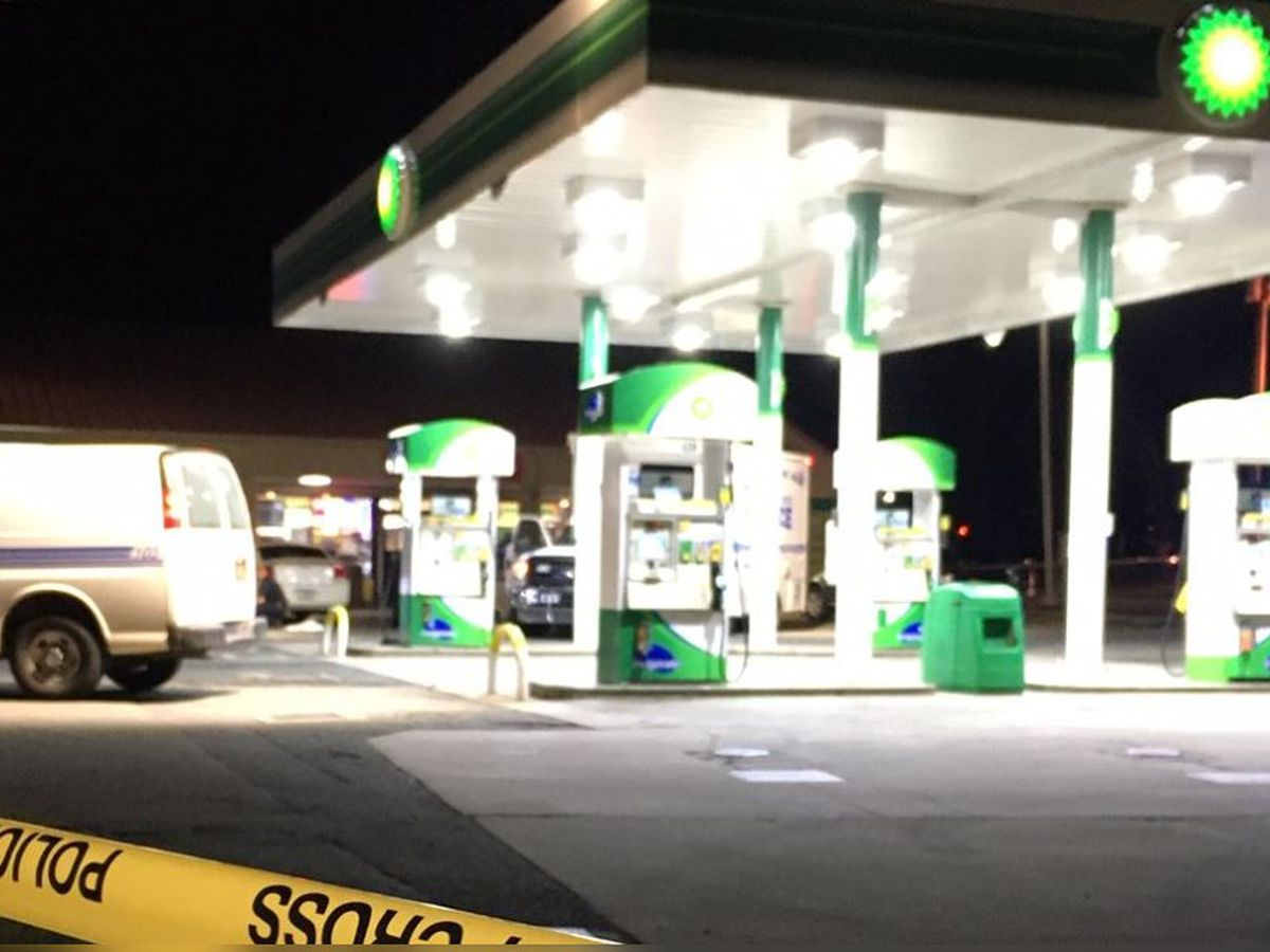 Male shot, killed in car outside Charlotte gas station