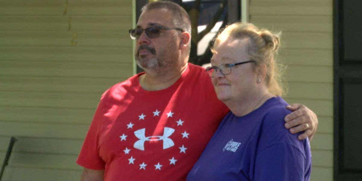 Wounded warrior given keys to new home