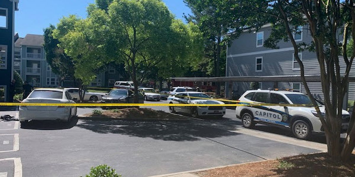 Person shot outside apartment complex in south Charlotte