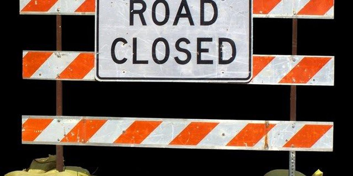Two outbound lanes on Wilkinson Boulevard closed due to leaking valve