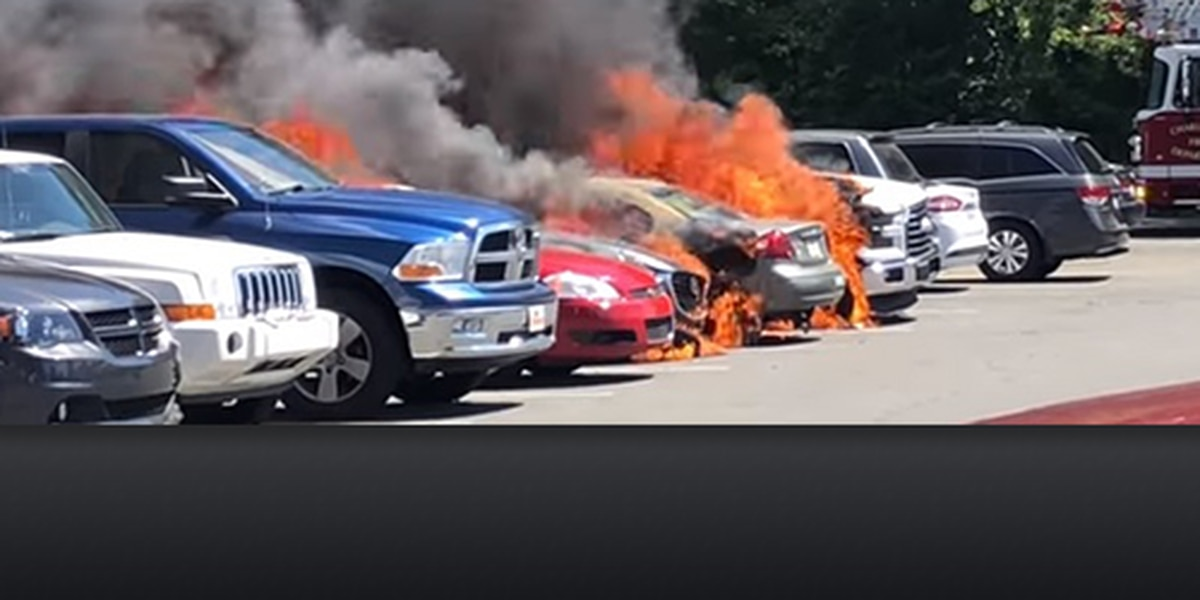Large fire breaks out in Carowinds parking lot; nearly a dozen vehicles damaged