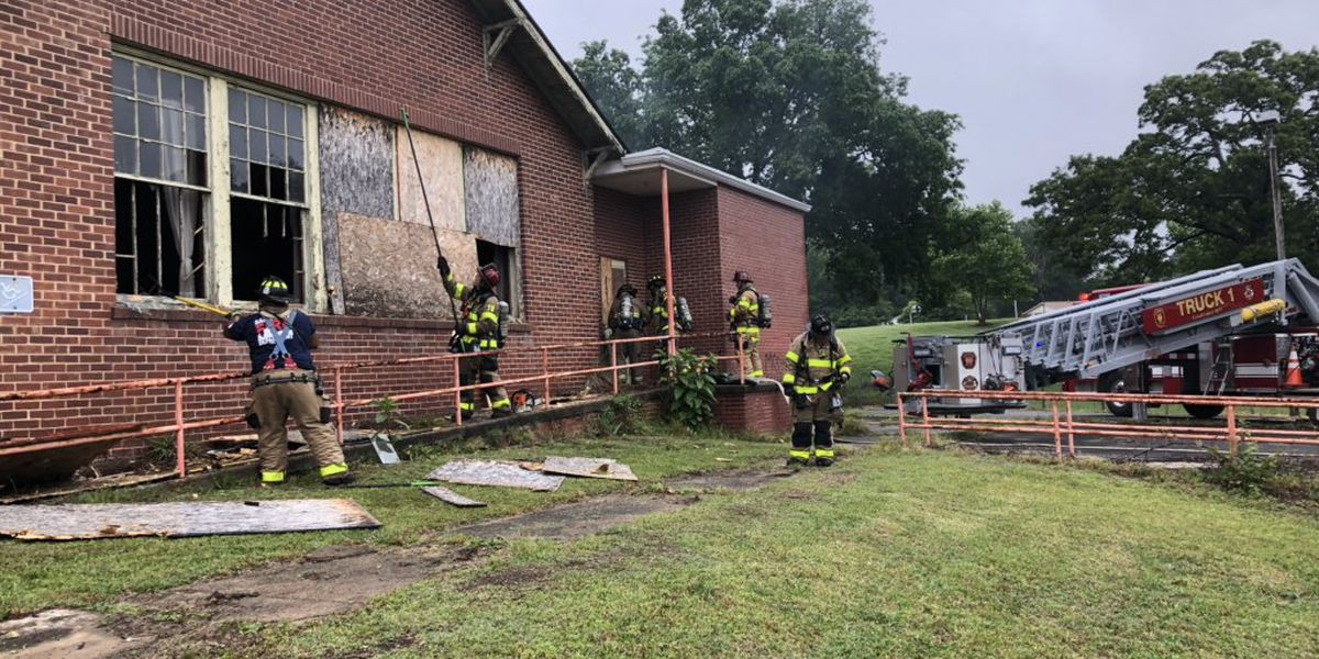 Firefighters make quick work of small fire at abandoned Salisbury school