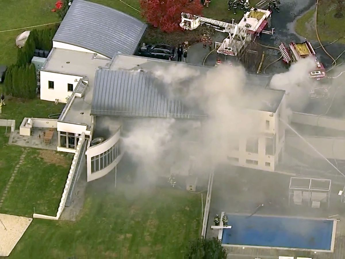 Prosecutor: Multiple people dead at scene of mansion fire